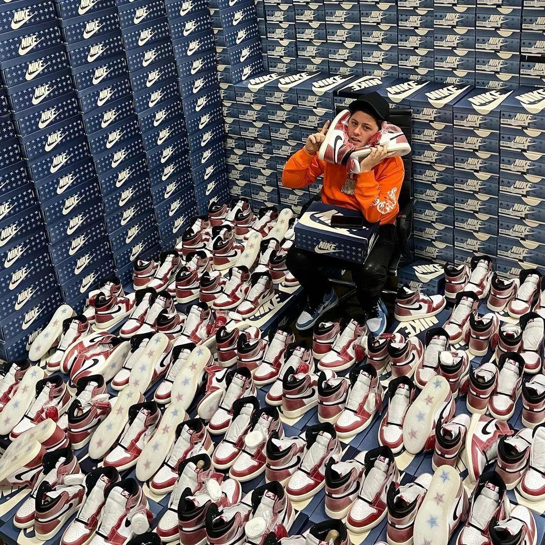 发财新套路? 一副AJ1鞋带卖1万2! 莆田鞋高仿贩子加班赚疯了!