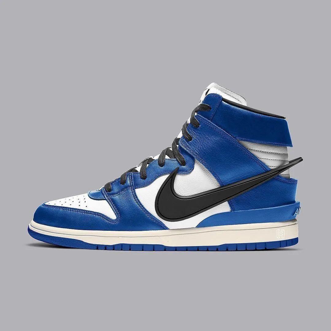 AMBUSH x Nike Dunk「黑蓝」曝光 & 多款新 YEEZY 发售定档!丨武林鞋报