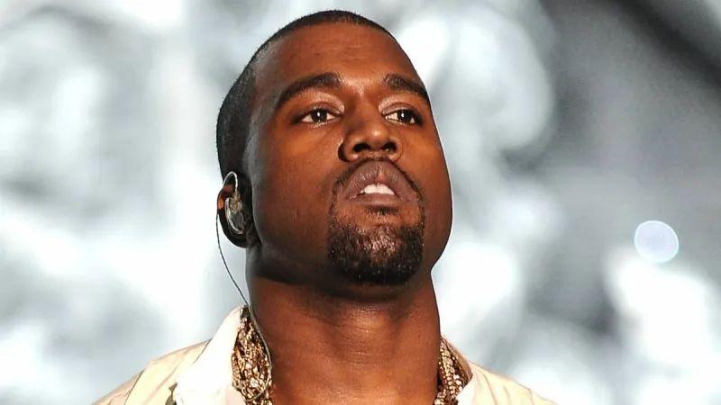 脱衣舞娘爆料 Kanye 付十万小费?只谈信仰不看秀!